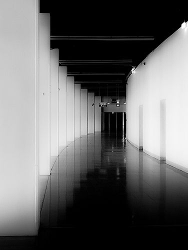 Architecture as the modulation of the rhythm of space. Photo by Fraktale.