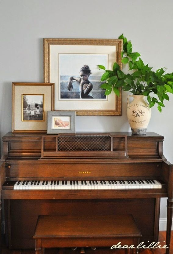 10 amazing ways to incorporate a piano into your home for Piano room decor