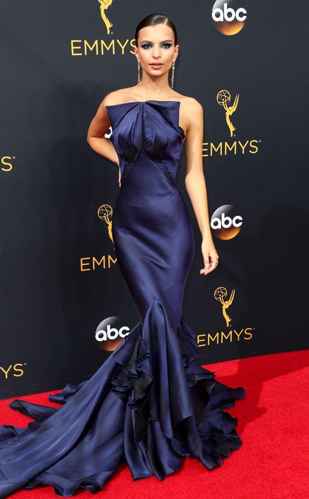 • Emily Ratajkowski in Zac Posen | 2016 Emmys Red Carpet Arrivals •