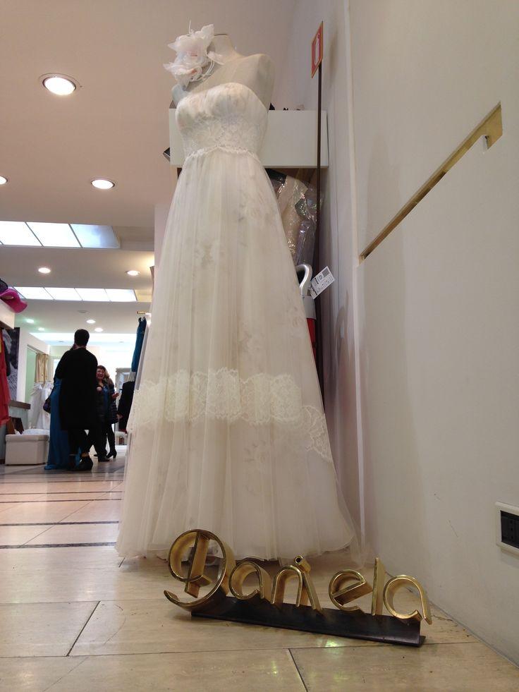 Abito da sposa in esposizione in #atelier.  www.danielasposa.it/sposa #abitidasposa #sposa #danielasposa