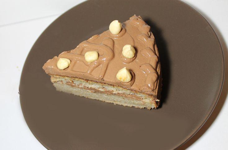 Tort cu Aroma de Alune De Padure (fara zahar, fara gluten, 100% sanatos)  
