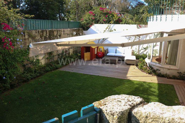 Andar-moradia V5 de excelente qualidade com jardim privado a sul. 307,5m² área bruta. Sala com 64m² + Recuperador. Garagem. 3 Frentes.