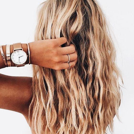 25 Inspirations Showcasing Hot Home Office Trends: Best 25+ Long Wavy Hair Ideas On Pinterest