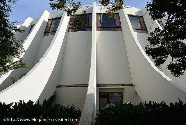Elegance Revisited: 'Resort Looks': Classic