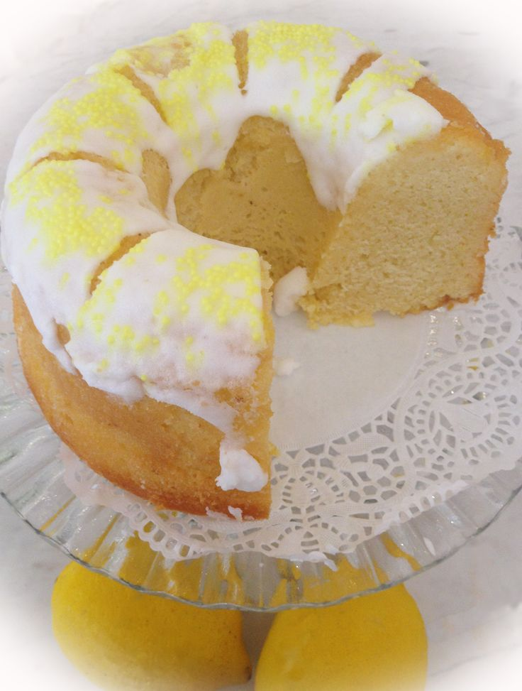Our lemon cake smells simplicity and purity