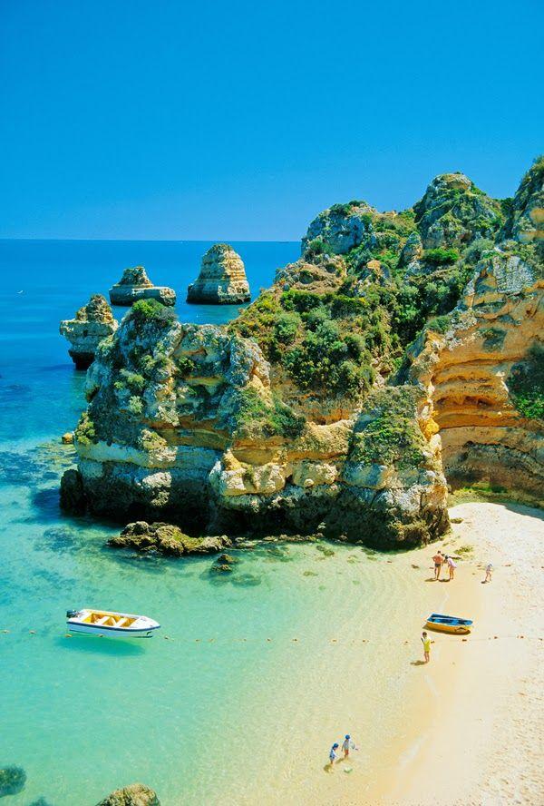 Camilo Beach, Algarve, Portugal http://www.reversehomesickness.com/europe/portugal #vacation #sunbathing