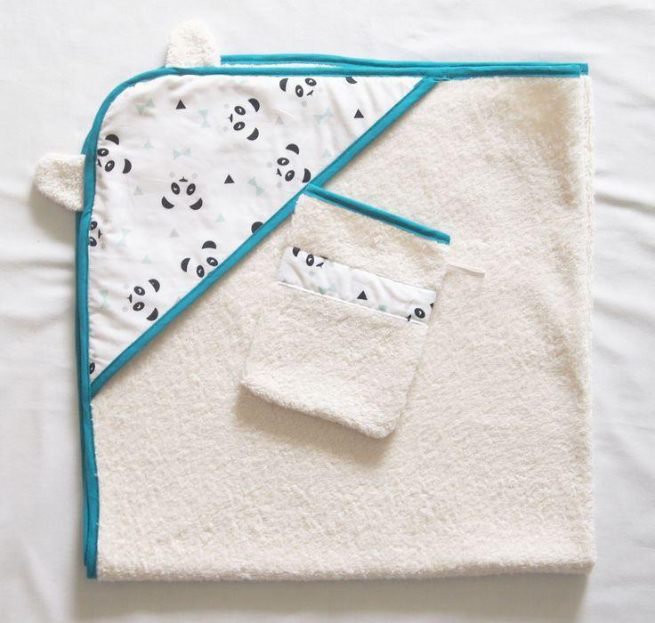 Sortie de bain + gant de toilette, oreilles d'ourson et motifs pandas : Mode Bébé par la-fee-curiosites