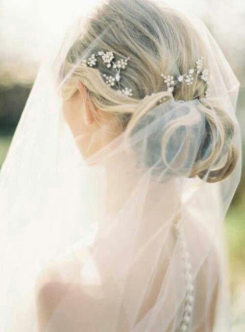 Wedding hair | http://www.oncewed.com/diy/diy-flower-crown-over-a-drop-veil/ | via Eternal Bridal