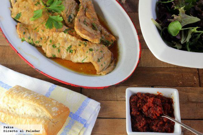 Escalopines de pollo marinado a la parrilla con salsa de tomates secos. Receta con fotos paso a paso de su elaboración. Como hacer pasta de...