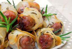 I Rotolini Patate e Salsiccia sono una ricetta sfiziosa, facile e veloce da preparare, non avrete neanche il tempo di portarli in tavola, spariscono subito!