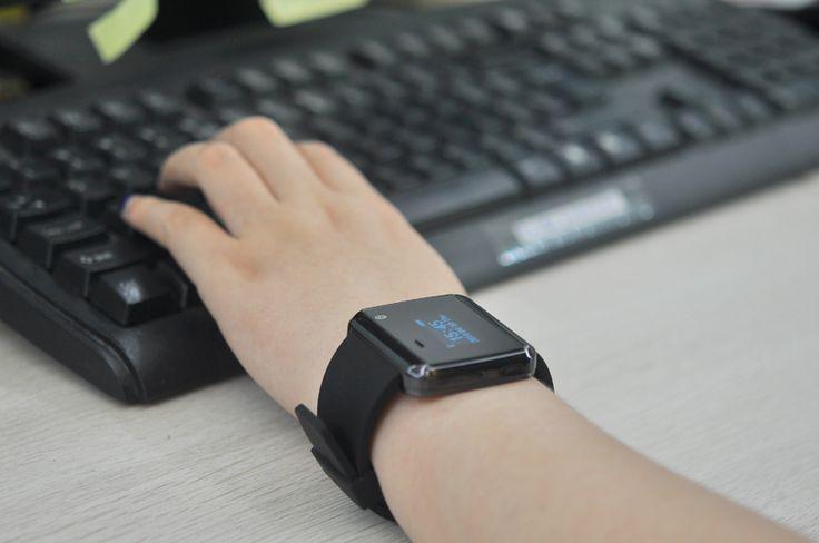 Ceas Smartwatch cu Bluetooth rezistent la apa http://www.gadgetworld.ro/ceas-smartwatch-cu-bluetooth-rezistent-la-apa.html