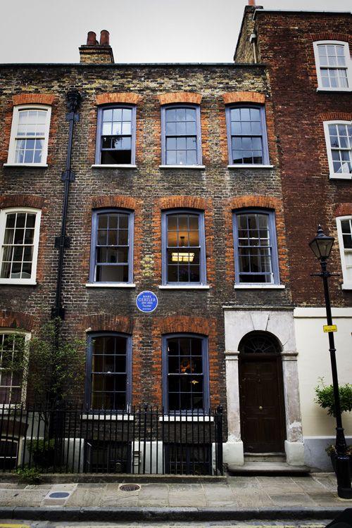 Timothy Everest: Tailor, Spitalfields, London http://upload.wikimedia.org/wikipedia/commons/c/ca/Atelier%2C_external.jpg