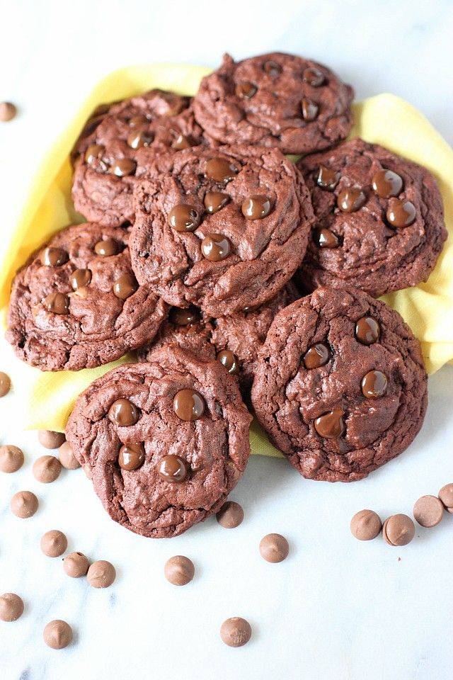 Chocolate Lover S Soft Baked Chocolate Chip Pudding Cookies Mind Over Batter