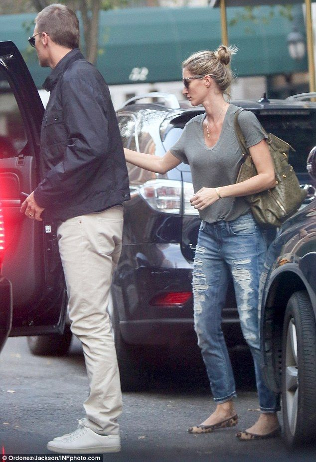 Own it in olive green with Gisele's stylish tote by Saint Laurent #DailyMail