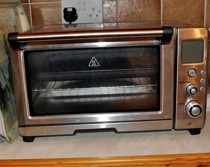 counter top oven - use a  mini oven for budget cooking when you are cooking for one.