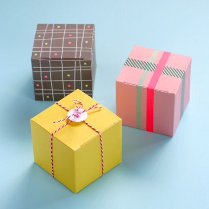 wedding favour boxes - love the button & string