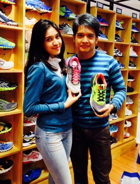 Dimas Seto & Dhini Aminarti in Reebok store