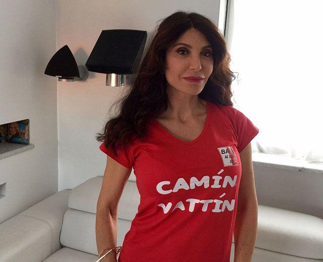 """CARMEN DI PIETRO - Le T-shirt """"Camin Vattin"""" sono in vendita presso il negozio BIDONVILLE Via Melo 224 a Bari - tel. 080-9905699 (consegna in tutta Italia e all'Estero con spedizione postale)"""