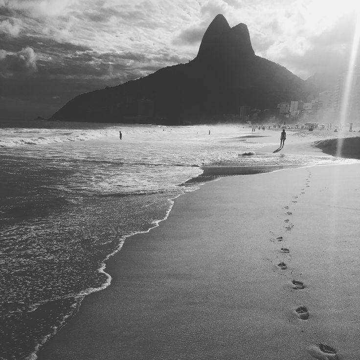 WHITE IS BLACK, BLACK AND WHITE, PHOTOGRAPHY, URBAN, RIO