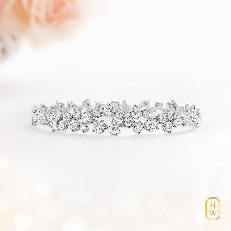 A special soiree is ever more dazzling with the #HarryWinston Sparkling Cluster #diamond bracelet.