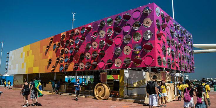 Fachada interativa marca pavilhão de Guto Requena na Rio 2016 - ARCOweb