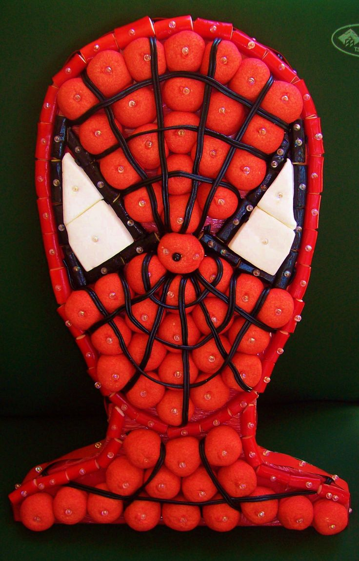 The sweetest Spiderman ever ! #chuches #candy #bonbons | https://lomejordelaweb.es/