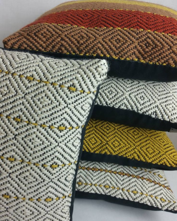 #handweaversofinstagram #handwovenpillows Hot off the loom!