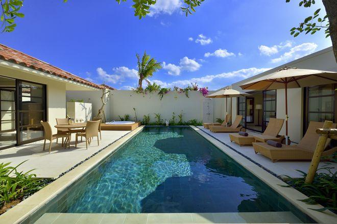 2016年3月18日(金)沖縄本島中部読谷村宇座に、ザ・テラスホテルズ第5のホテルとなる「ジ・ウザテラス ビーチクラブヴィラズ」がオープン! 48室全てがプライベートプール付きのヴィラタイプで、プライベートな居住空間を大切にしたビーチサイドリゾートを目指す。