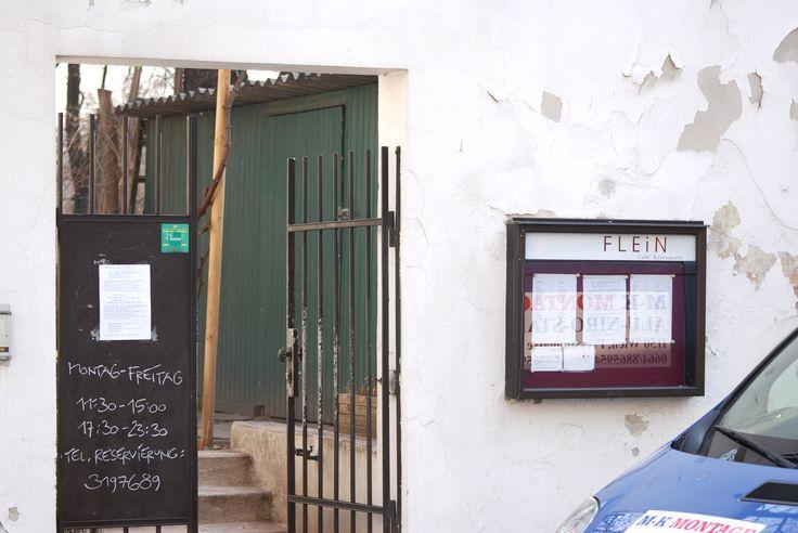 Das FLEIN - im Garten vom Französischen Kulturinstitut. Eingang Boltzmanngasse 2. Geheimtipp! entdeckt auf stadtbekannt.at