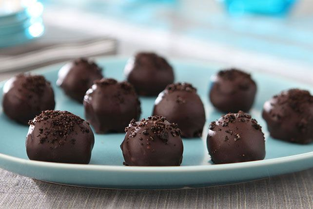 Discover the stuff dreams are made of: Easy OREO Truffles! Blend cream cheese & OREO Cookie crumbs for the blissful centers of these Easy OREO Truffles.