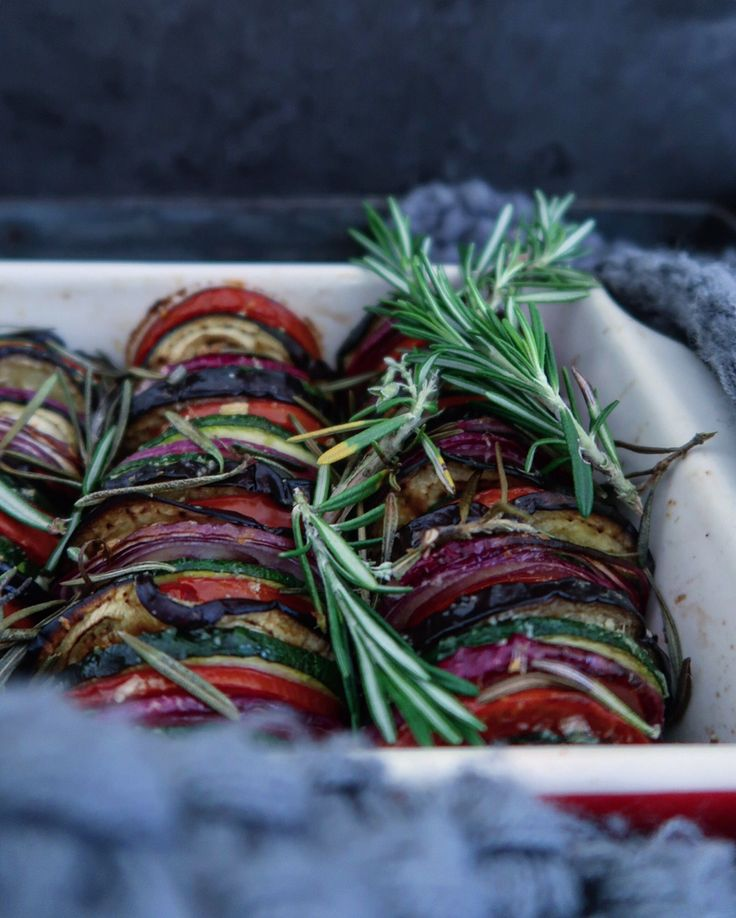 Provençaalse groenten uit de oven - http://benineskitchen.com/provencaalse-groenten/