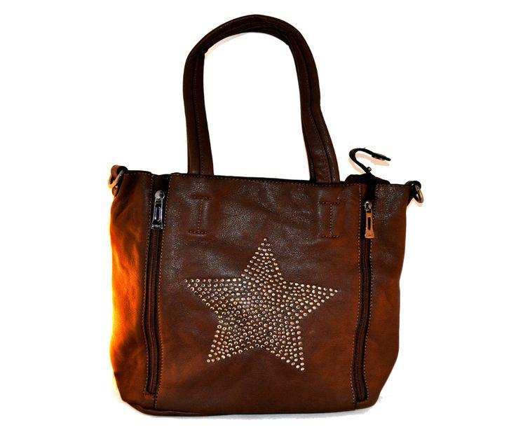 Stoere bruine tas met ster patroon. Mooie donker bruine tas die wordt geleverd met kleine binnentas. Zie www.fraaienzo.nl voor meer details.   De verkoopprijs is € 56,95. Er worden voor deze tas geen verzendkosten berekend.