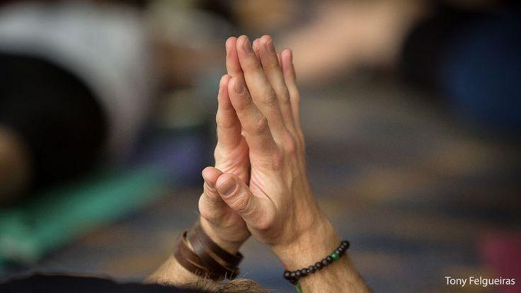 7 Holistic Benefits to Meditation | Brain Benefits from Meditation | Yoga Journal