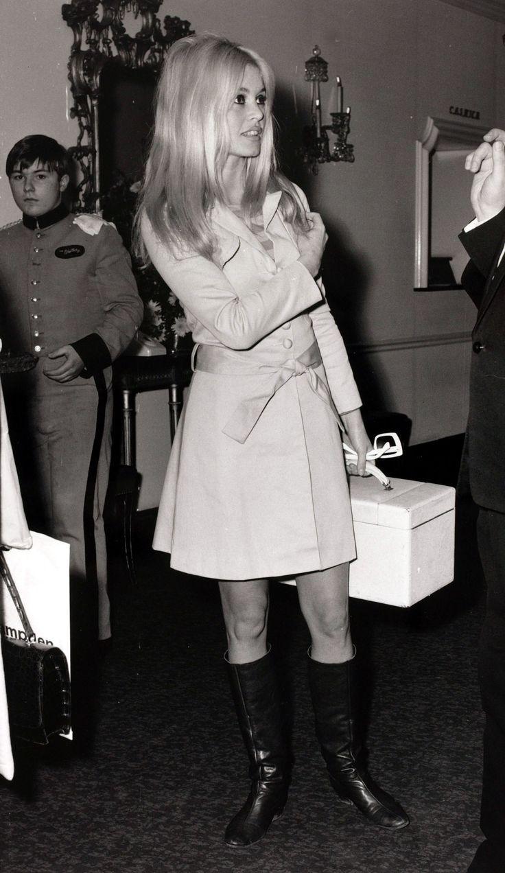 Brigitte Bardot: Steal Her Bombshell Style