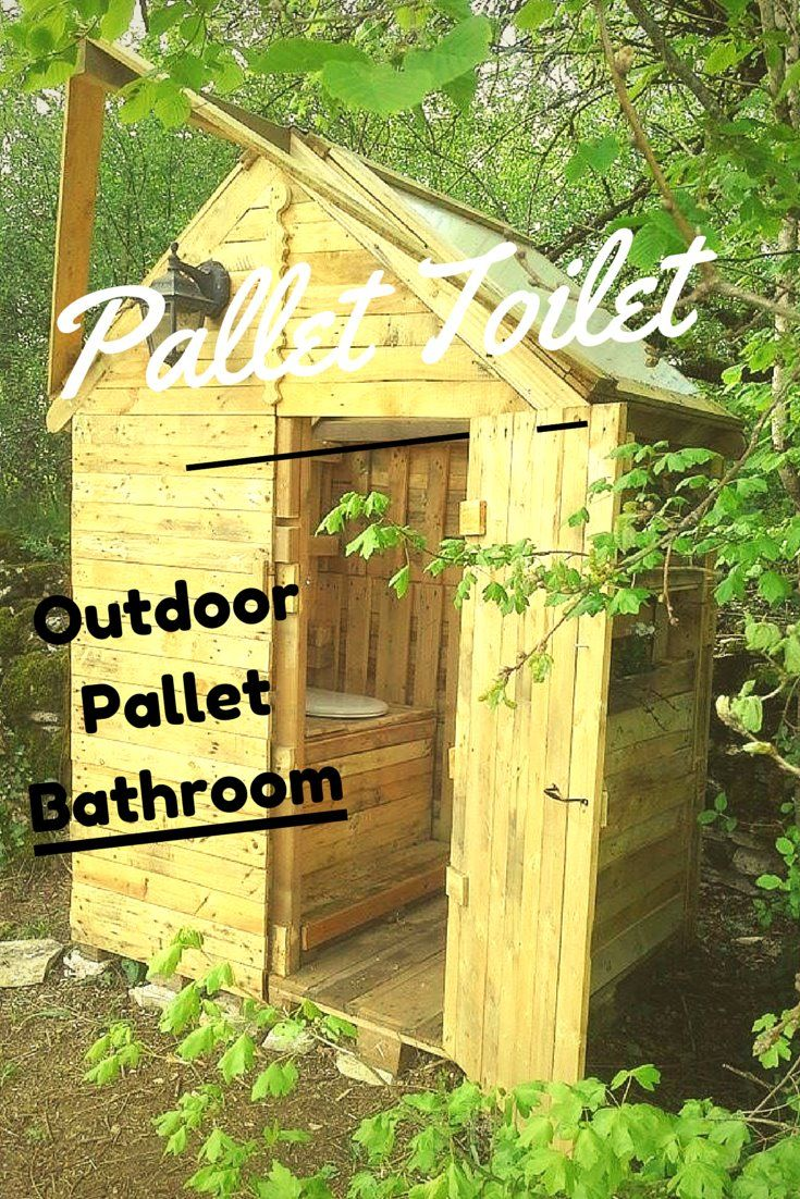 recycled pallet outdoor bathroom