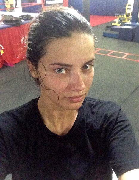 Adriana Lima - no makeup and stunning!