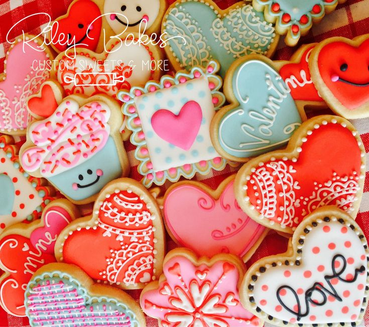 Valentines Day Cookies, Valentines Day Party, Valentines Day Favors, Love  Cookies, Heart