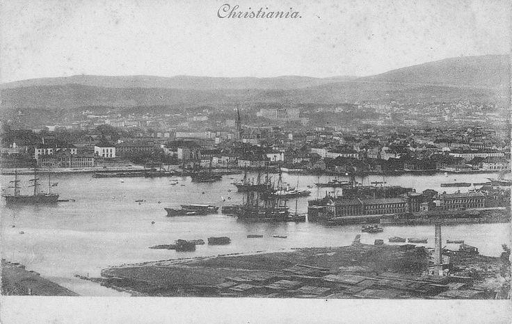 Christiania utsikt over havna fra Ekeberg. Omkring 1900