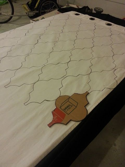Stencil with a fabric pen? simple geometric- Nifty Thrifty Momma: Tutorial: Stenciled Curtains