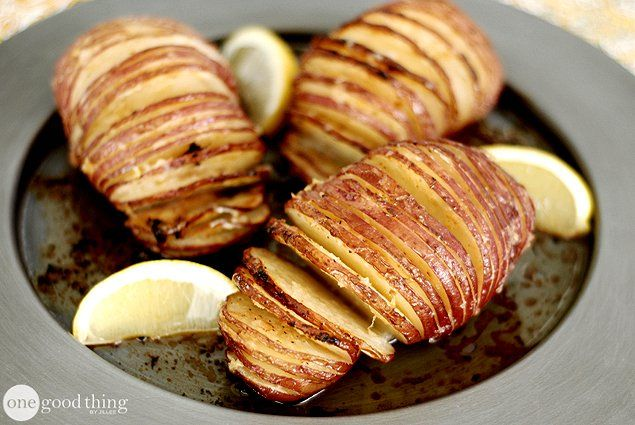 "How To Make Accordion-Sliced ""Hasselback"" Potatoes 