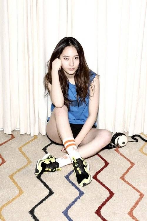 f(x)'s Krystal shows how to be comfortable in style for 'Puma' | allkpop.com