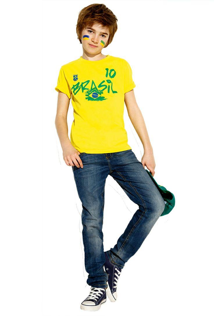 #TATI - #Tee-shirt imprimé Coupe du Monde - Du 6 au 14 ans - 2€,99 => pour être fin prêt le 12 juin et le premier coup de sifflet de la coupe du monde de football ! http://www.tati.fr/garcon/vetement-garcon-6-a-14-ans/tous-les-produits/t-shirt-imprime-coupe-du-monde/109814/nall/d0/s/p/c/b/e.html