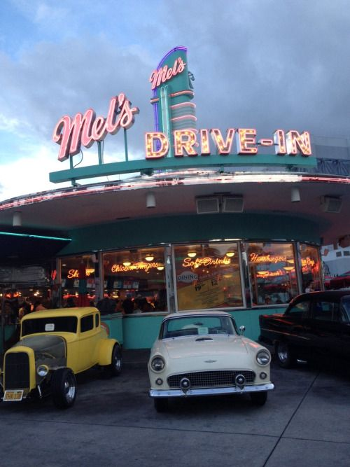 photography food photo vintage indie cars 50s retro yum neon American America 60s diner 70s Fast Food universal milkshakes universal studios mels drive thru i love this place drive in American Diner orlado