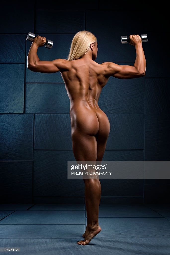 Beautiful Naked Female Athlete With Pair Of Dumbbells In -2580