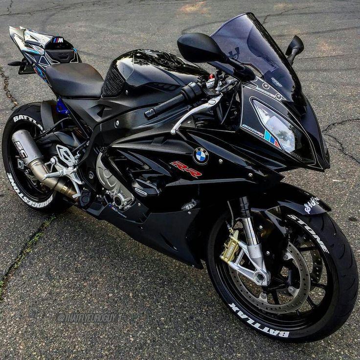 BMW S1000RR. Cómo me gustaría que me dieran una vuelta en una como esta...