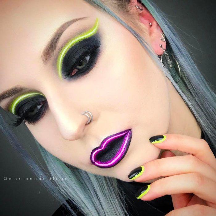 Chica con maquillaje de neón