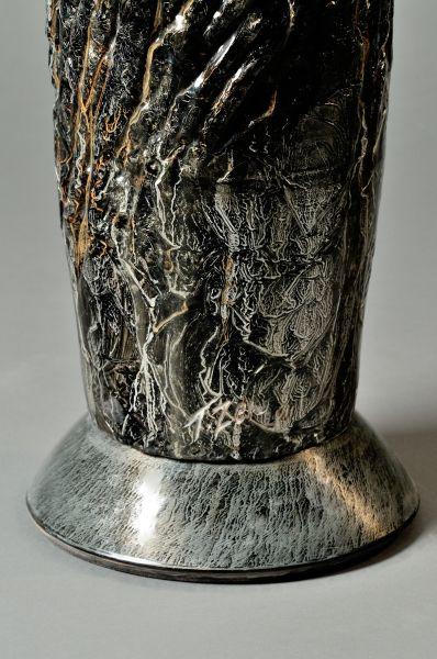 #sculpture #contemporaryceramics #art  #woodlike #treebark #naturaltexture #metalbase