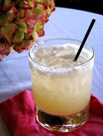 Mamarita: Missing out on those classic margaritas? The combination of agave nectar and citrus juices in mamaritas is so delicious, you wont even miss the tequila! Source: Preggatinis: Mixology For the Mom-to-Be