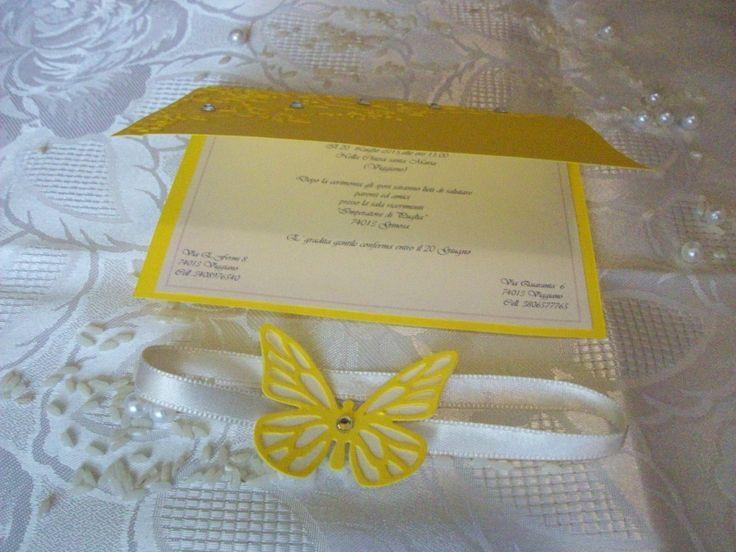 Interno realizzato con carta perlata bianca