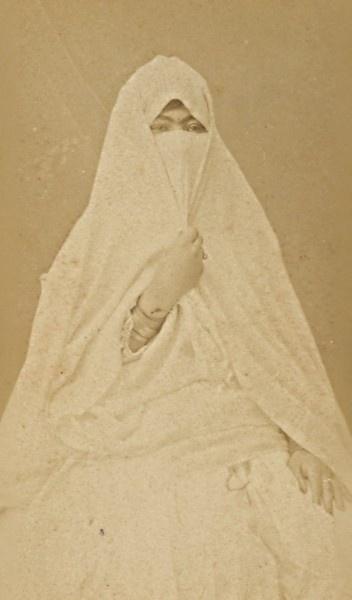 Algiers, Arabic women's fashion photo. 1890
